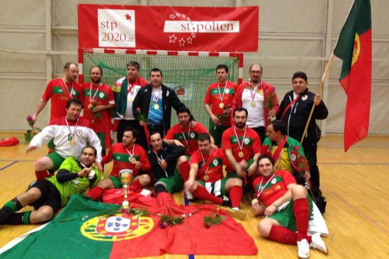 Três dos 12 padres portugueses campeões europeus de futsal são da Diocese  de Viana ec3df81b2b2b3
