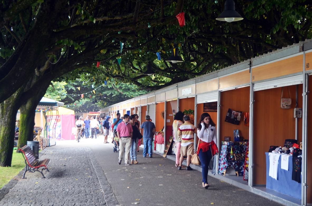 Adesivo Impressao Vinil ~ Perto de 100 artes u00e3os juntos em Viana na maior montra de artesanato tradicional e contempor u00e2neo