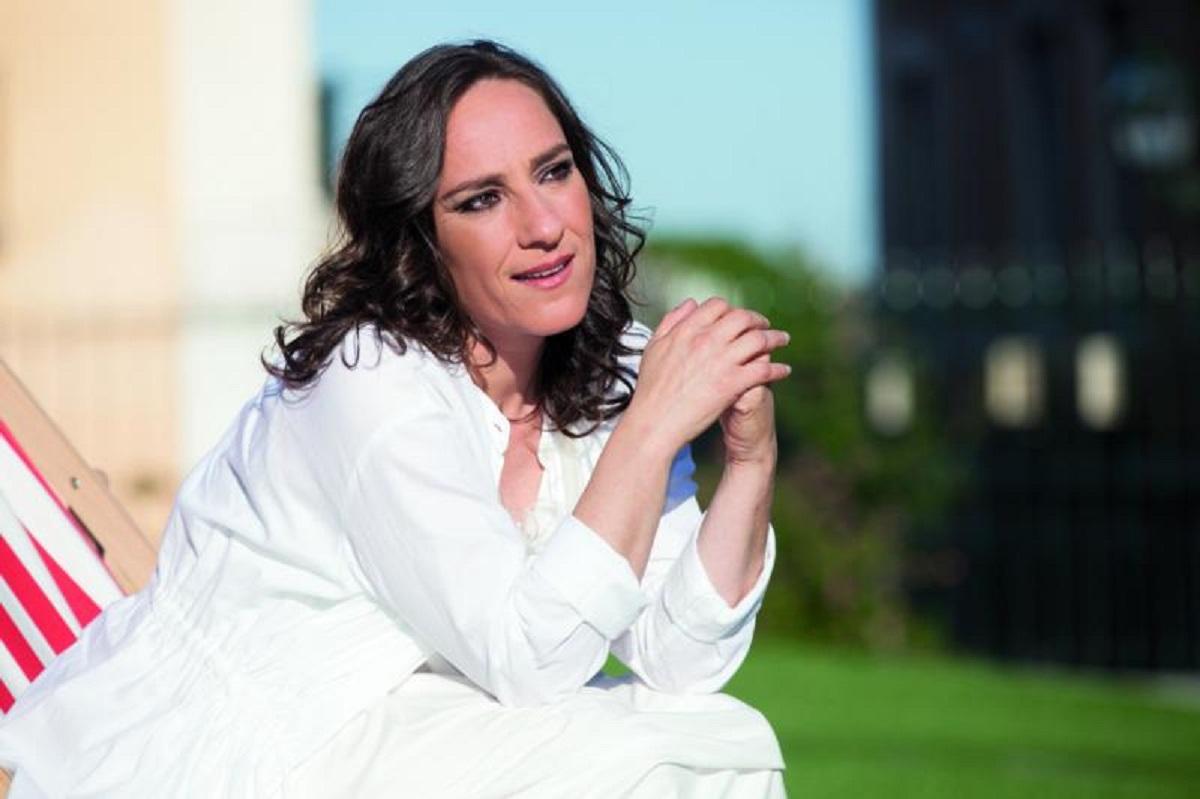 Maria Rueff em Viana para falar de humor como caminho para Deus
