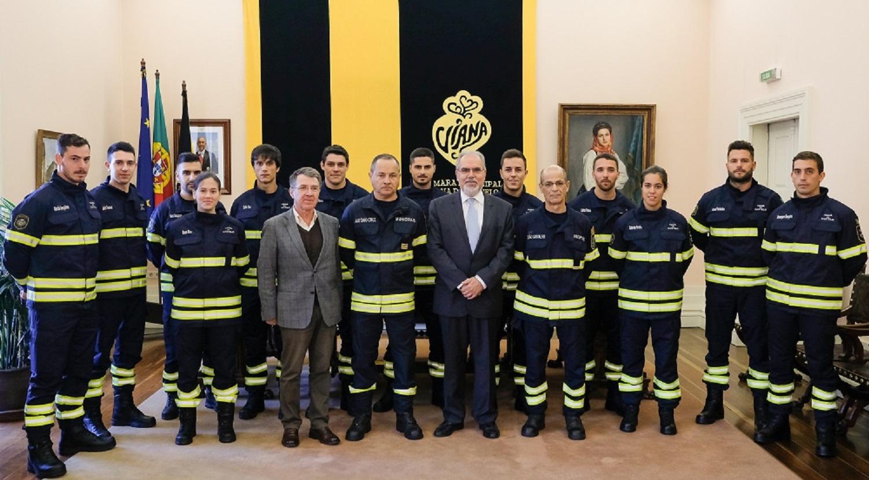 Doze novos recrutas começaram hoje formação nos bombeiros municipais de Viana