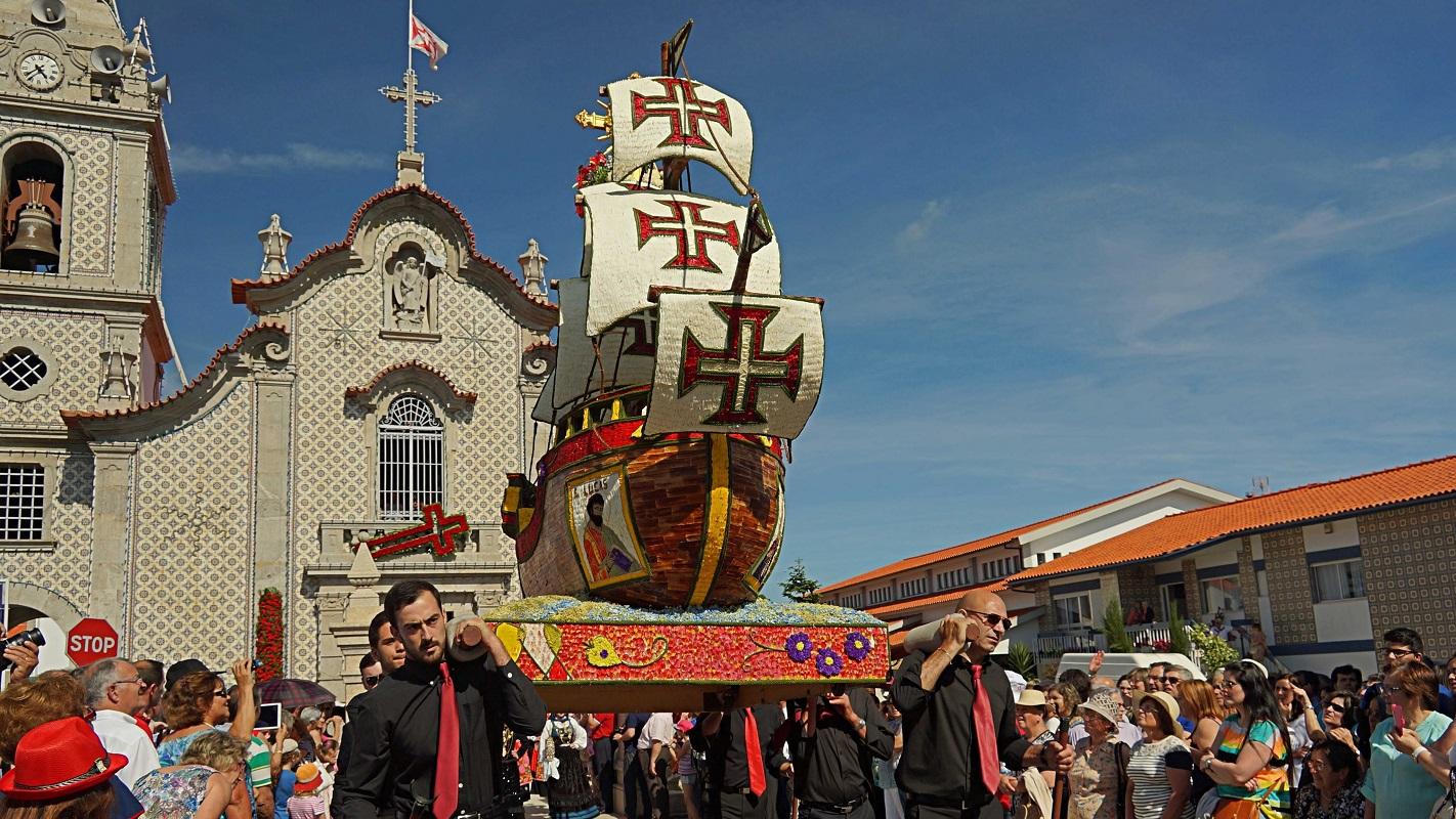 Festas das Cruzes e dos Andores floridos começam esta sexta-feira em Alvarães