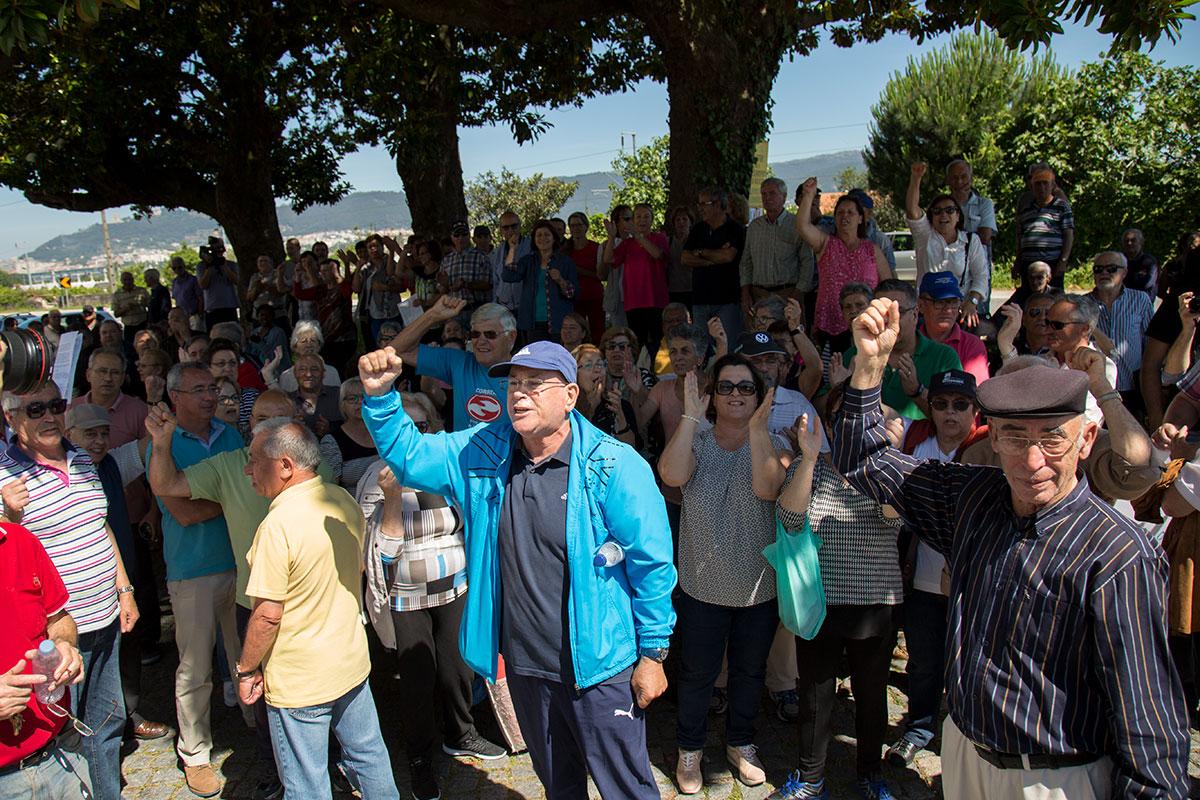 Protesto contra encerramento da CGD de Darque juntou mais de 300 pessoas