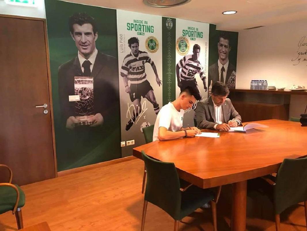 Vianense João Queirós reforça equipa sub-23 do Sporting