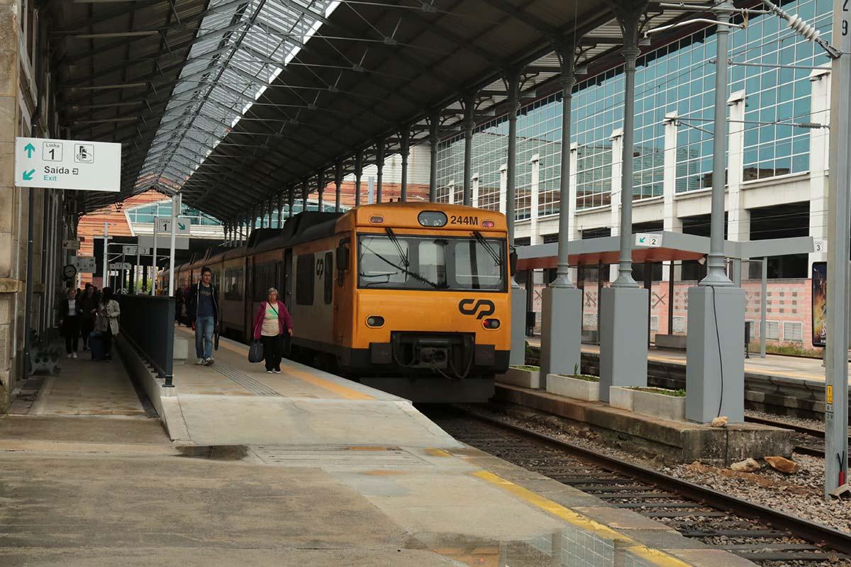 Xunta da Galicia: Viagem de comboio entre Porto e Vigo em 1h20 em 2019