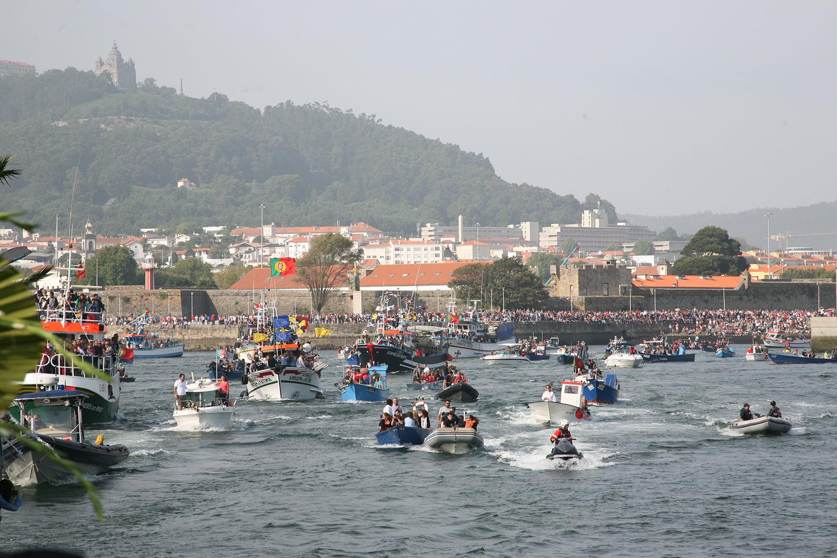 Cinquenta anos de procissão ao mar em exposição na ribeira de Viana do Castelo