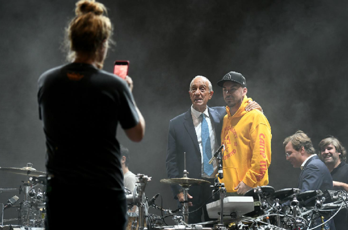 Marcelo Rebelo de Sousa recusou tocar bateria com os 30 Seconds to Mars.