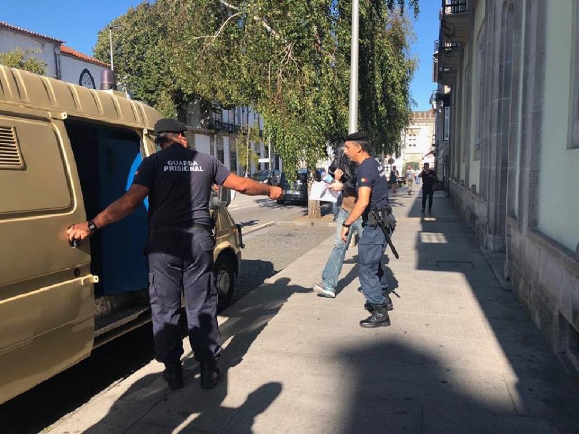 Violador da Net leva mais quatro anos de prisão por ameaças feitas por SMS