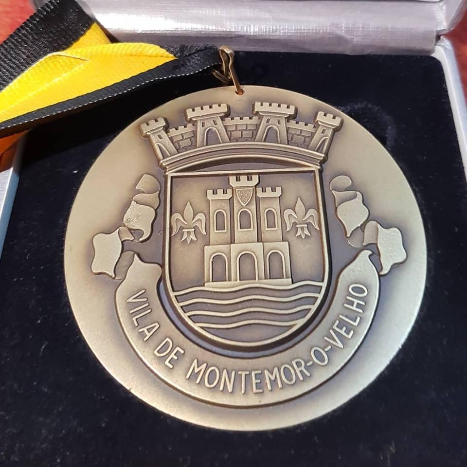Fernando Pimenta homenageado com medalha de mérito pela Câmara de Montemor-o-Velho