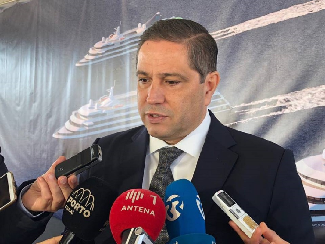 Mário Ferreira anuncia em Viana financiamento de 165 ME do maior banco do mundo