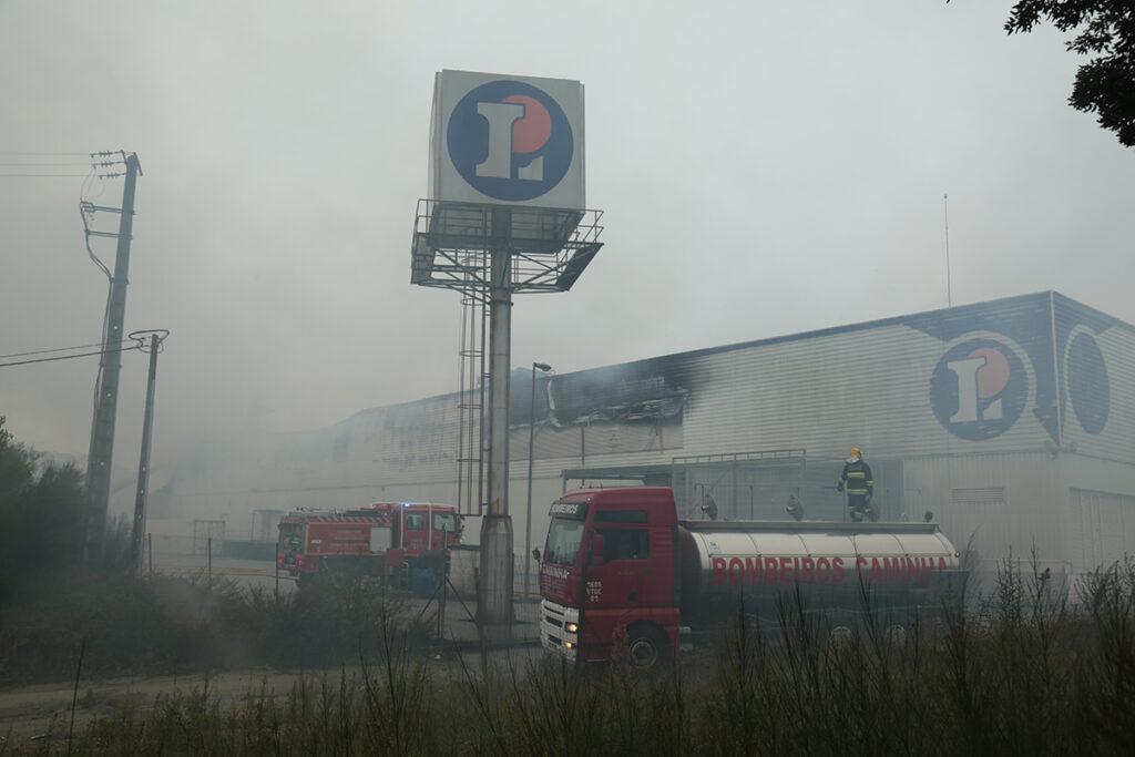 Fogo no E. Leclerc já entrou em fase de rescaldo