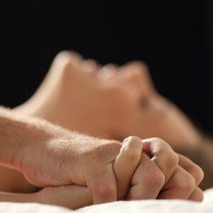 Ter relações sexuais duas vezes por semana pode reduzir em 50% o risco de morte prematura