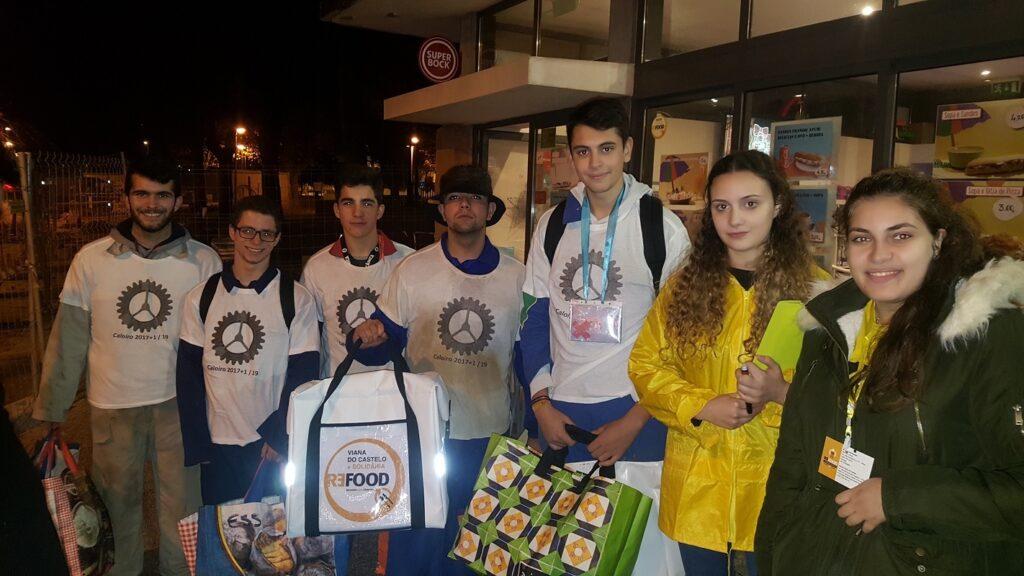 Alunos do Politécnico de Viana assinalam Dia Internacional do Voluntariado com apoio à Re-Food