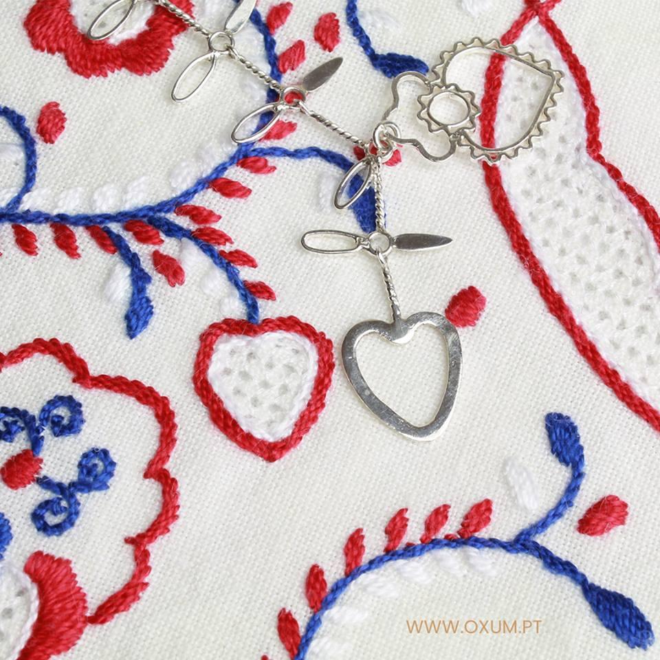 Bordados de Viana inspiram coleção de joalharia artesanal