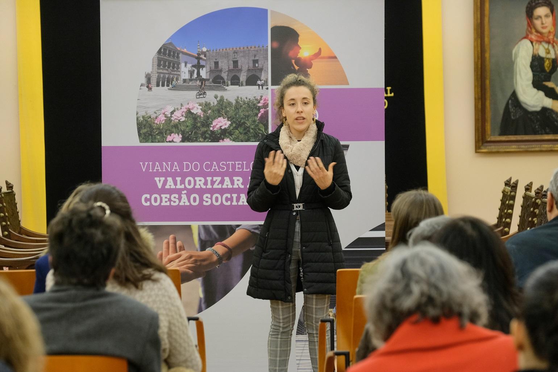 Mais de 1.400 utentes de 24 instituições de Viana recebem lembranças de Natal oferecidas pela Câmara