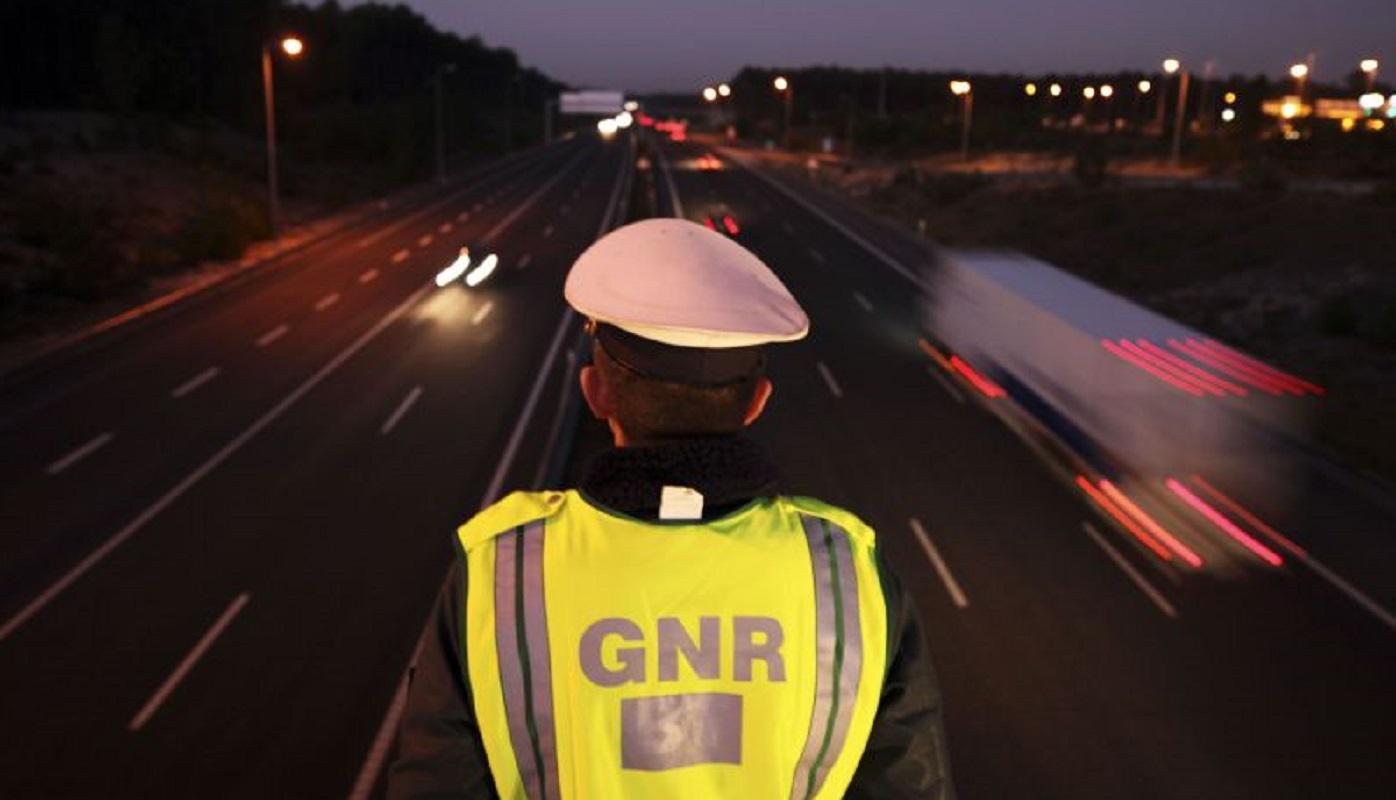 GNR fiscaliza transporte de passageiros em veículos descaracterizados
