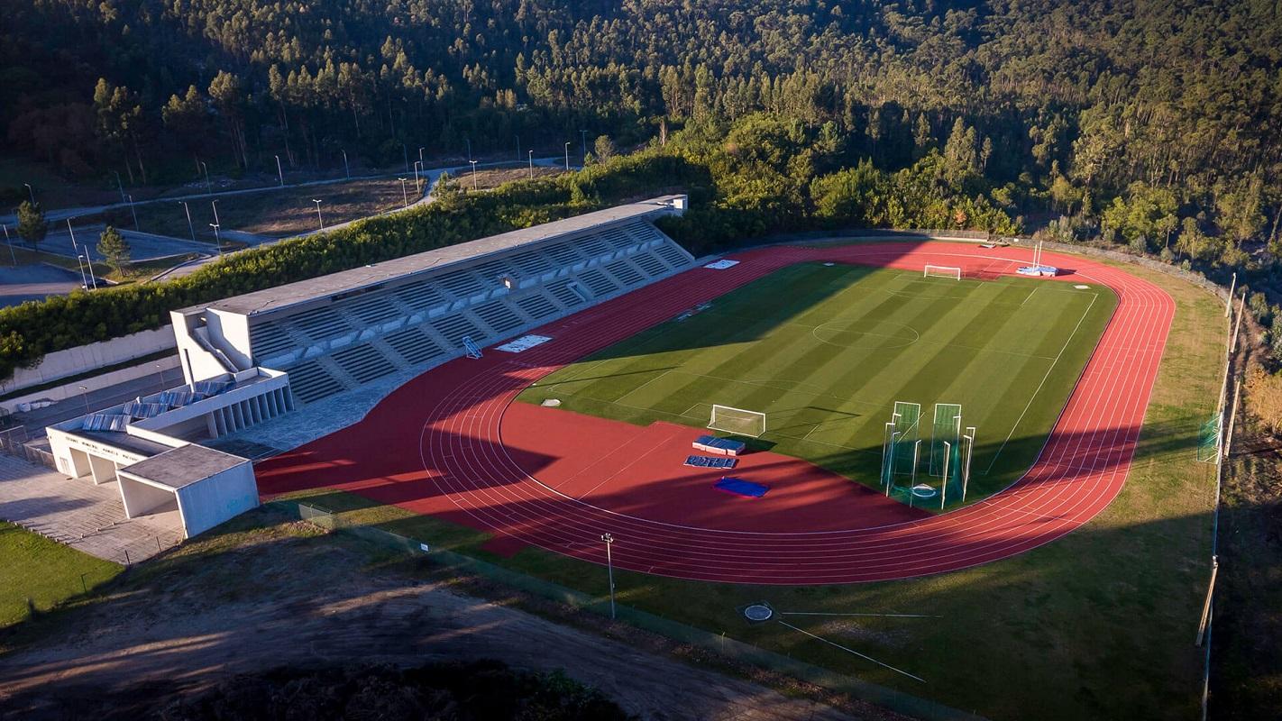Estádio Manuela Machado recebe estágios de quatro equipas inglesas de futebol
