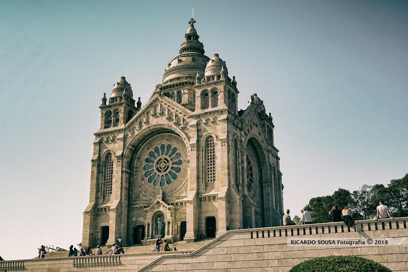 Templo de Santa Luzia sem iluminação de Natal por demissão da Confraria