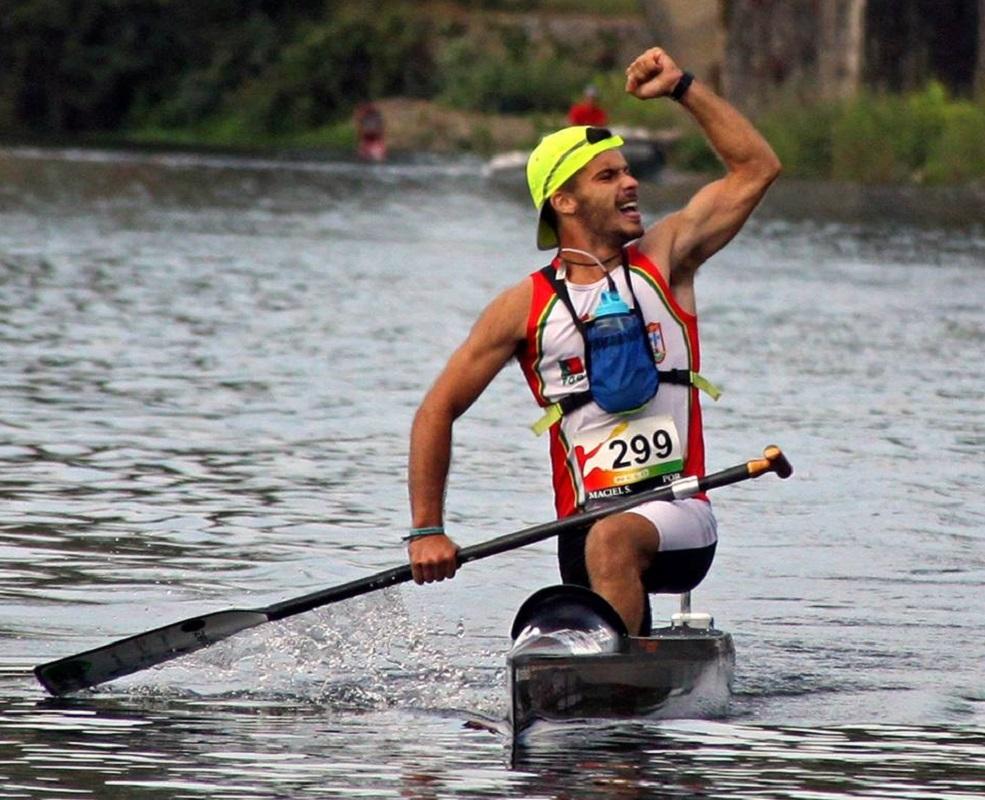 Sérgio Maciel é o rosto do kayak plogging, a nova atividade do Viana Garças Clube