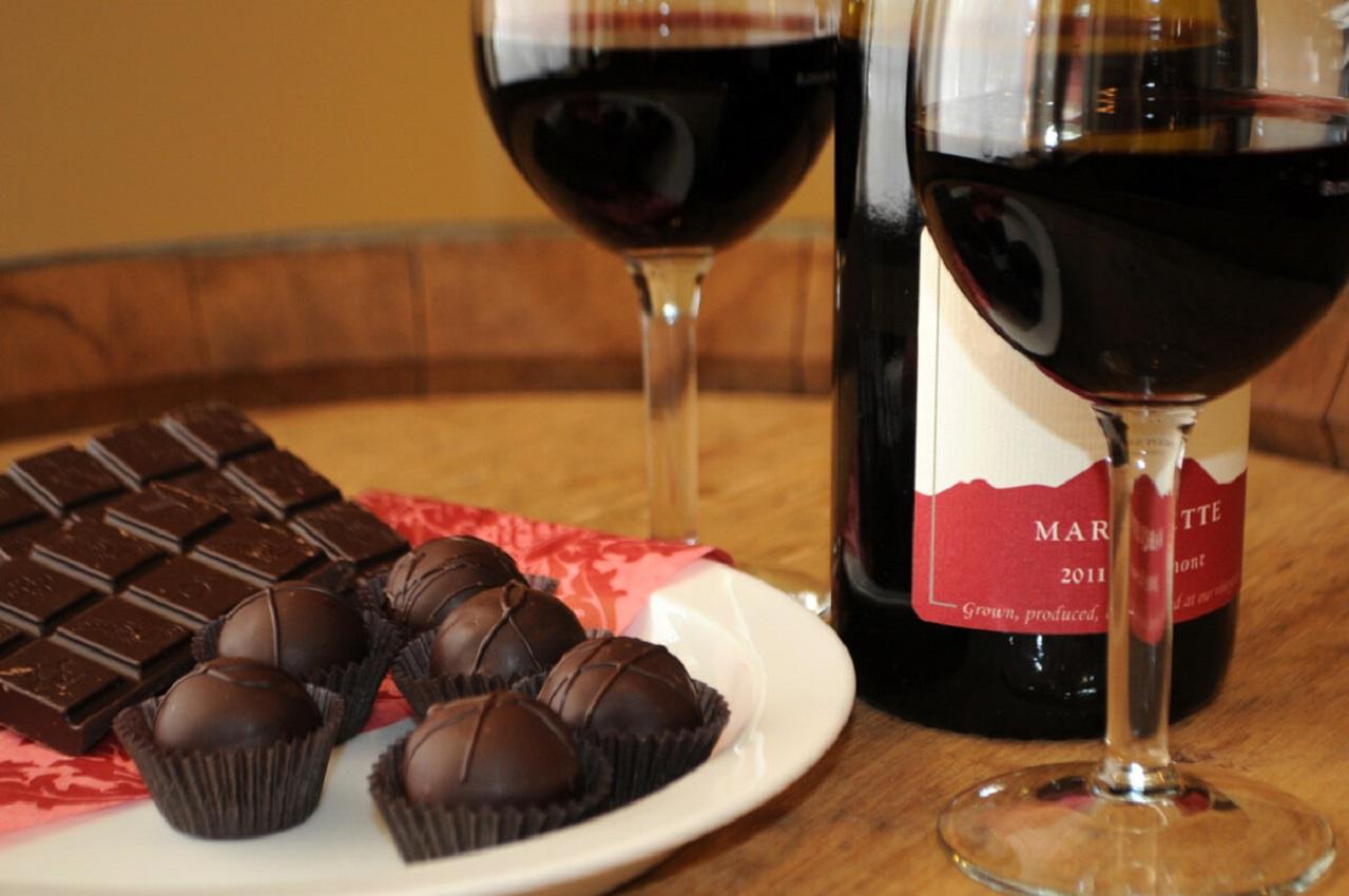 Chocolate e vinho tinto combatem as rugas e mantêm a pele jovem