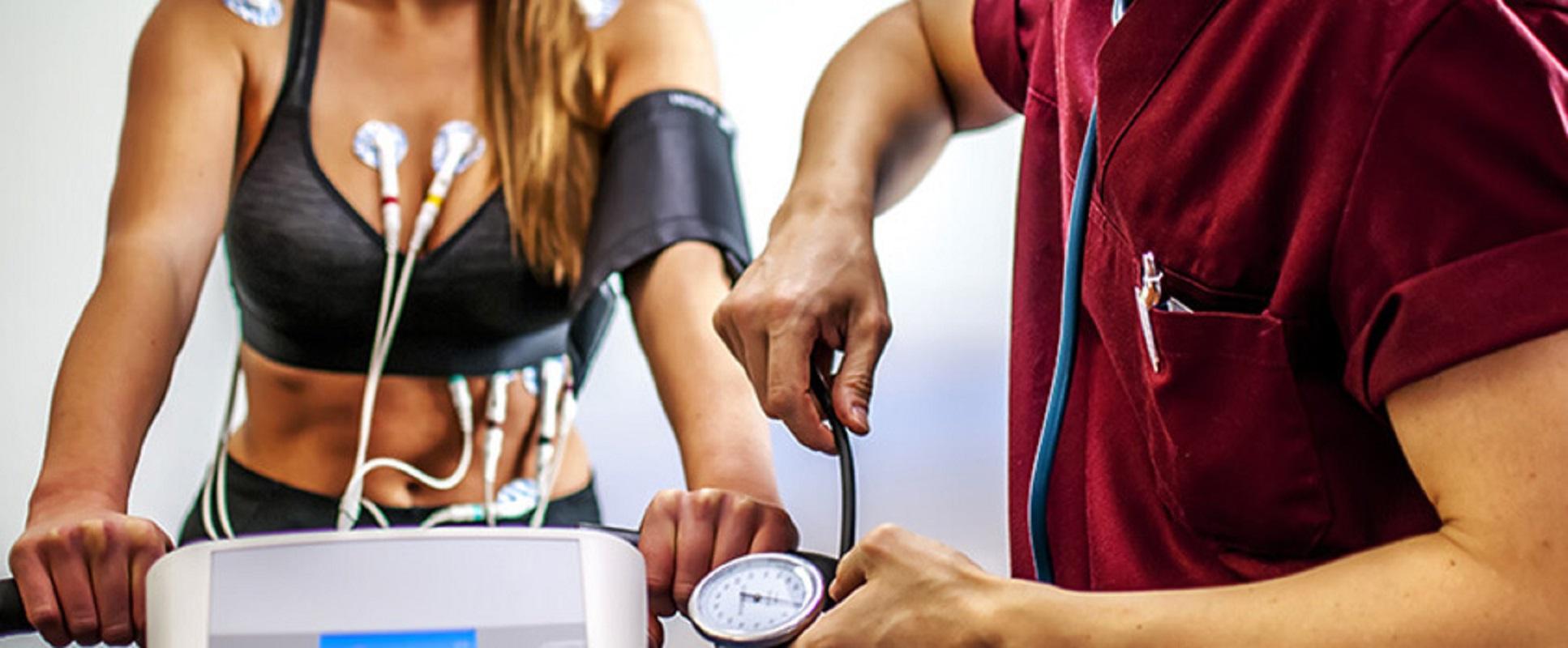 Primeiro programa de exercício clínico para hipertensos realiza-se no Axis Wellness em Viana