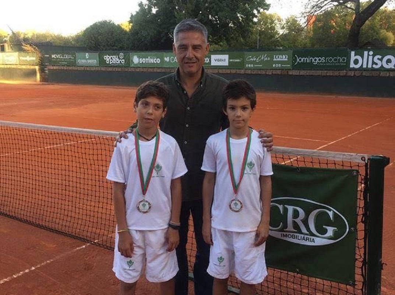 Dois atletas do Clube de Ténis de Viana convocados para seleção nacional sub 12