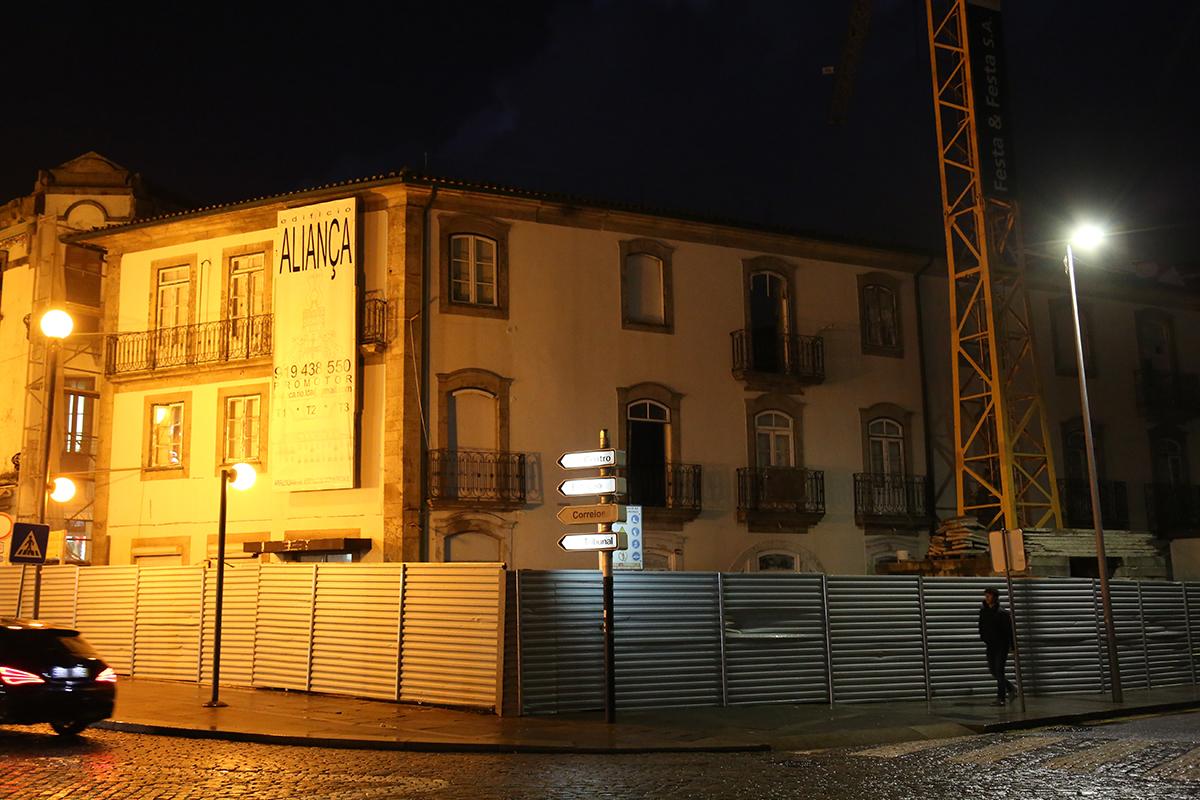 Transformação do hotel Aliança em apartamentos pode recomeçar com garantia da proteção de muralha de Viana