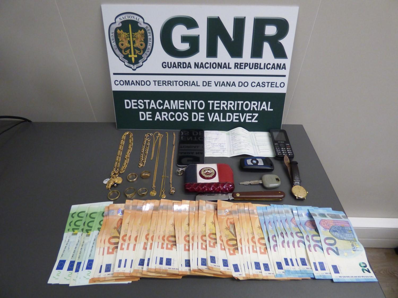 GNR identifica casal por furtos e burlas em Ponte de Lima, Paredes de Coura e Arcos de Valdevez