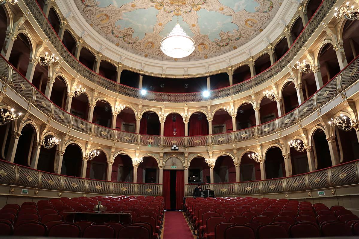 Sala de espectáculo mais emblemática de Viana faz hoje 134 anos