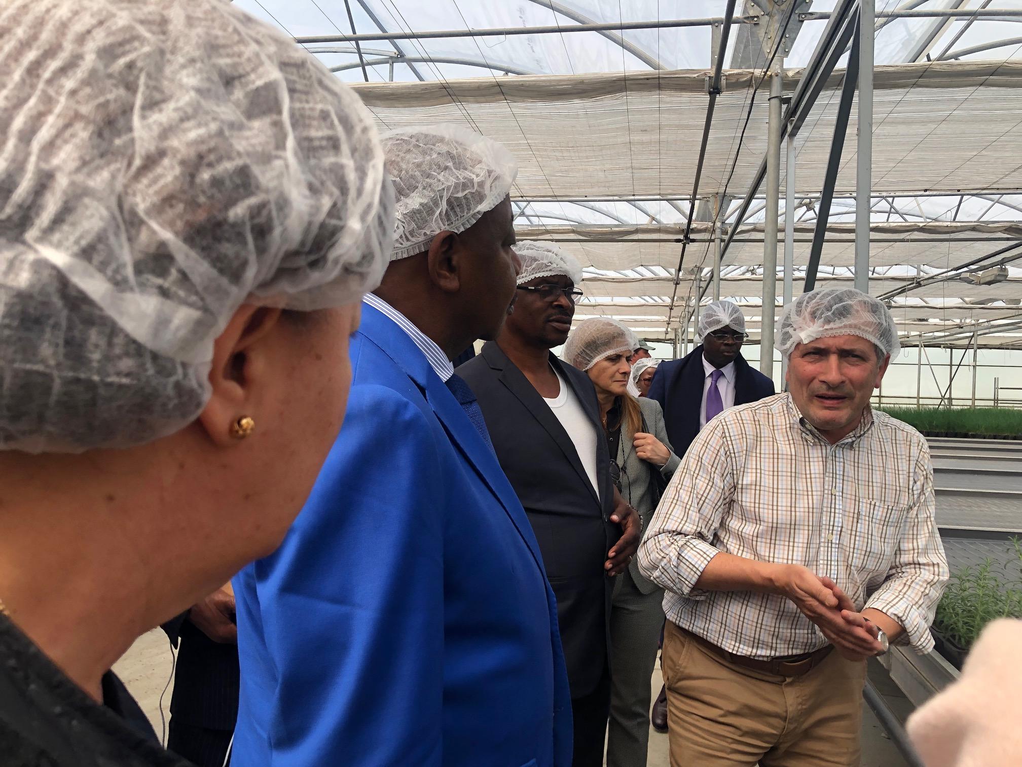 """Governador da província angolana de Malanje """"muito satisfeito"""" com visita a Aromáticas Vivas"""