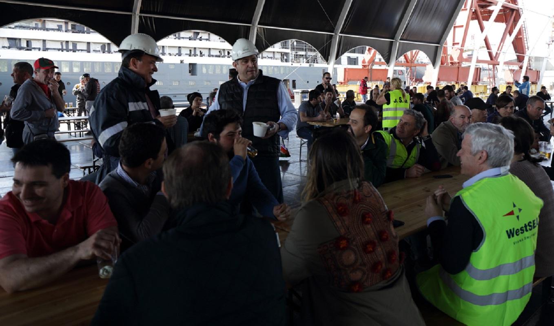 """Almoço nos estaleiros de Viana """"homenageou"""" trabalhadores envolvidos na construção do World Explorer"""