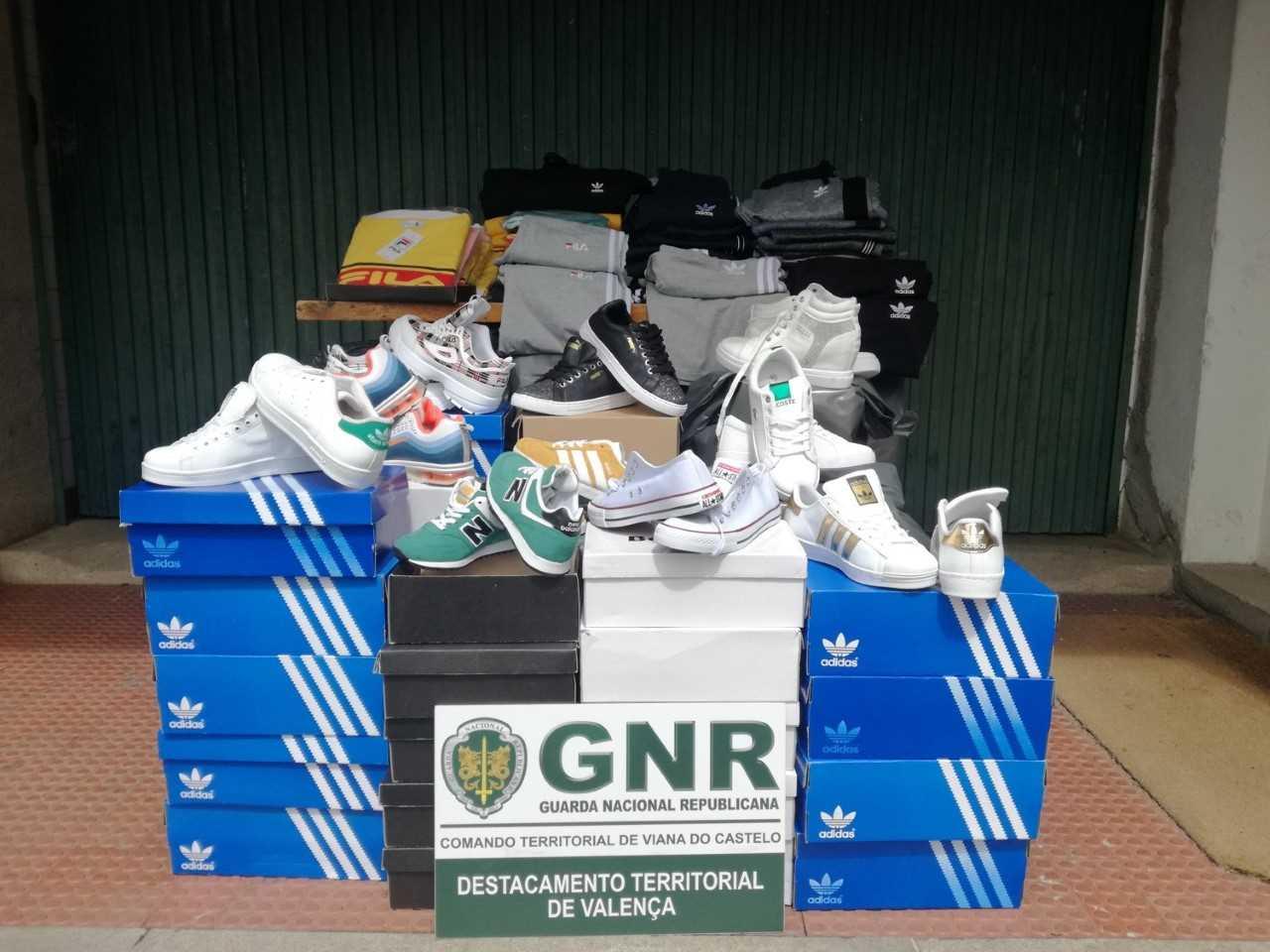 GNR apreende em Valença 28 mil euros de artigos contrafeitos