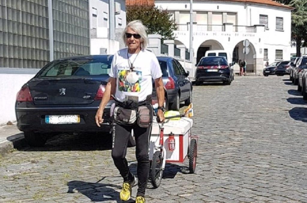 Peregrino de 85 anos que tem sido notícia nos últimos dias passa por Viana do Castelo