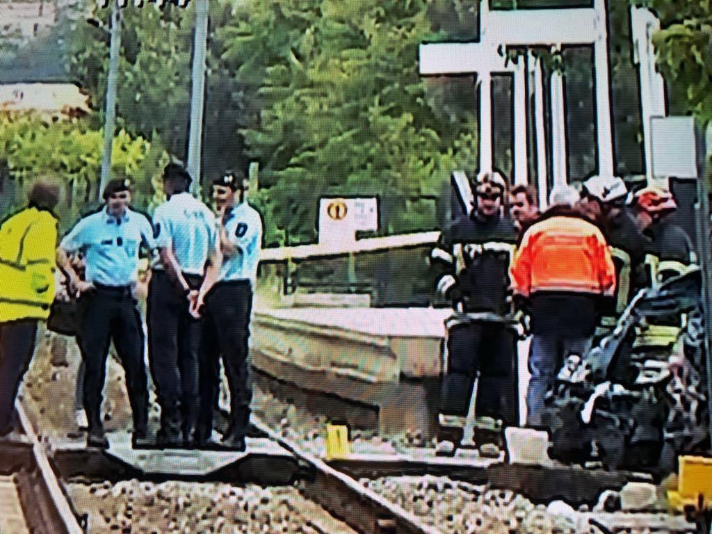 Avós e neta de Areosa morrem em acidente entre comboio e carro em Barcelos
