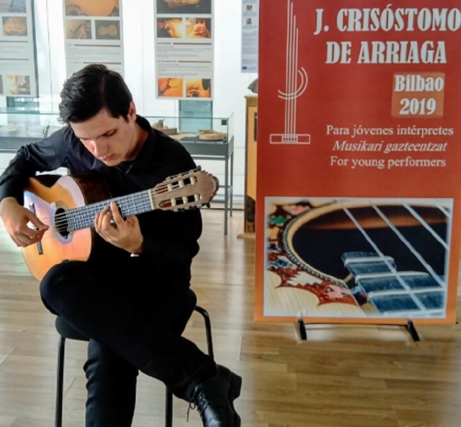 Jovem guitarrista de Viana conquista 3º lugar em concurso internacional em Espanha