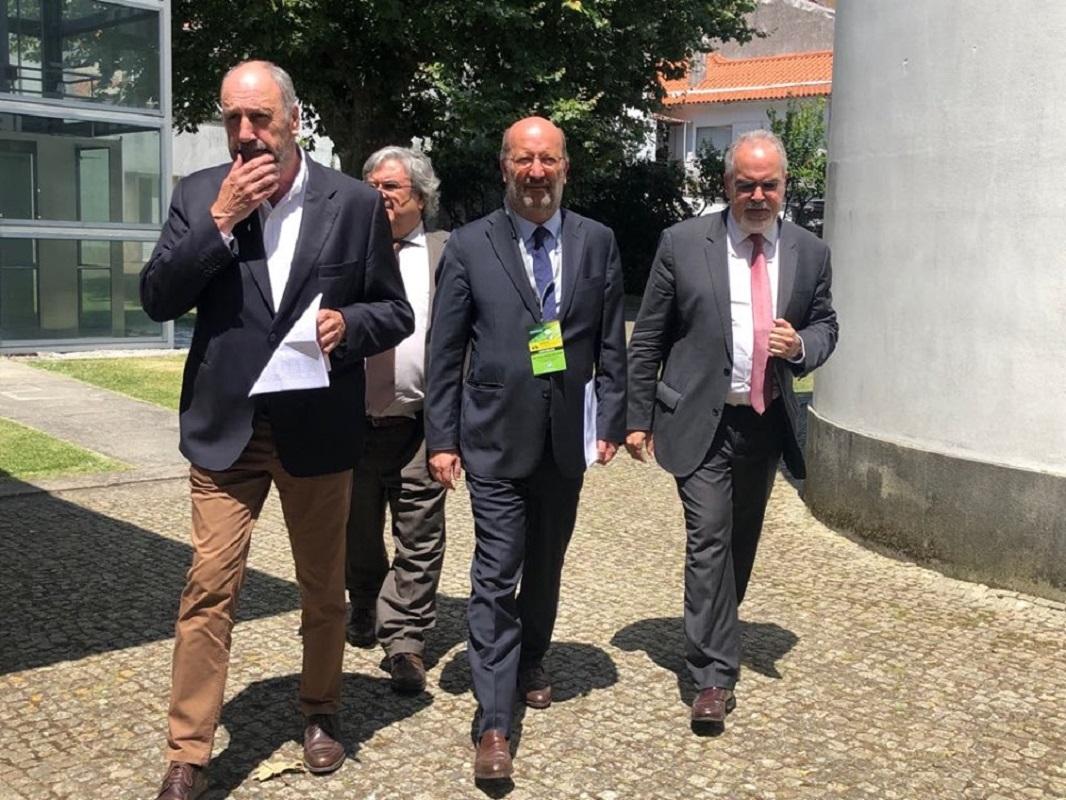 Ministro do Ambiente quer processar moradores do Coutinho por custos com prolongamento da vida da VianaPolis
