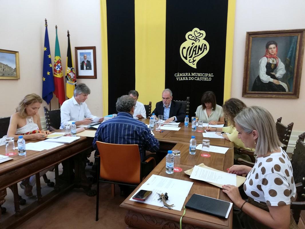 Câmara de Viana aprova concursos públicos no valor de 2,8 milhões de euros para ampliar rede de saneamento em 8 freguesias