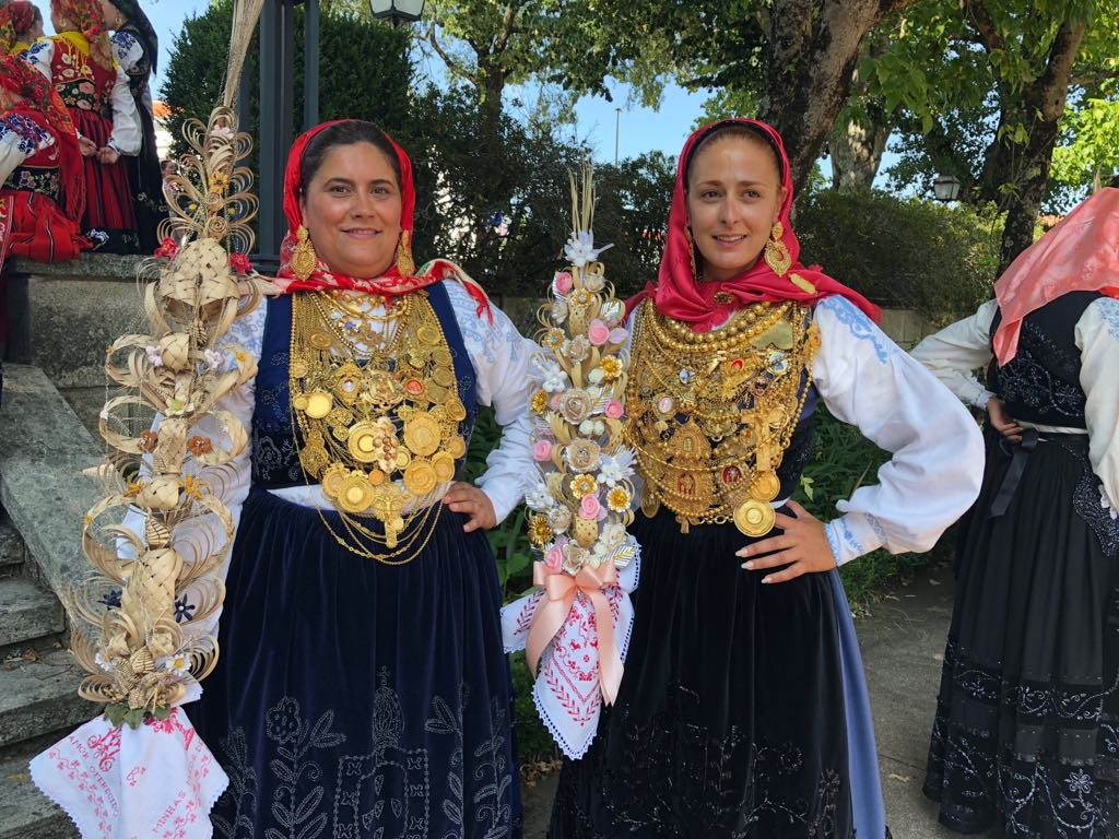 Cerca de 45 mordomas recebidas pelo presidente da Câmara no primeiro dia das festas d'Agonia