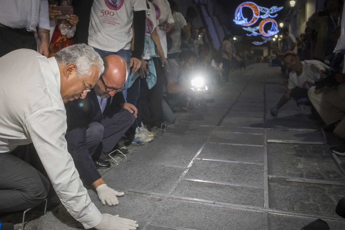 António Costa volta à Ribeira para viver noite dos tapetes