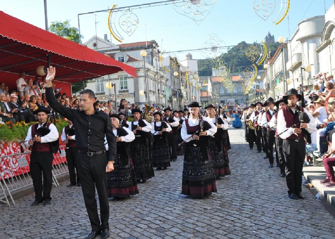 Praça da República acolhe IV Festival de Bandas de Gaitas de Viana