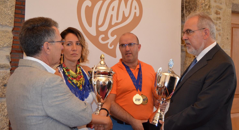 Campeões europeus de bilhar recebidos pela Câmara de Viana do Castelo