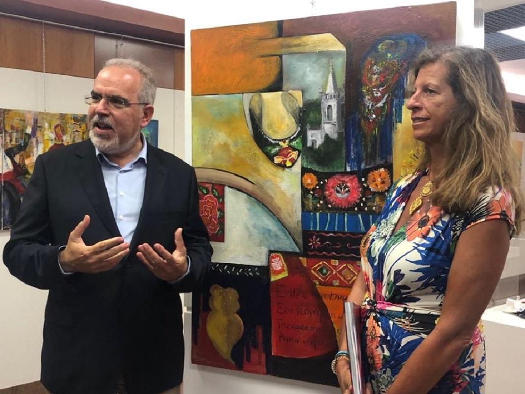 """Câmara de Viana compra quadro """"Havemos de ir a Viana"""" da neta de Homem de Mello para o Museu do Traje"""