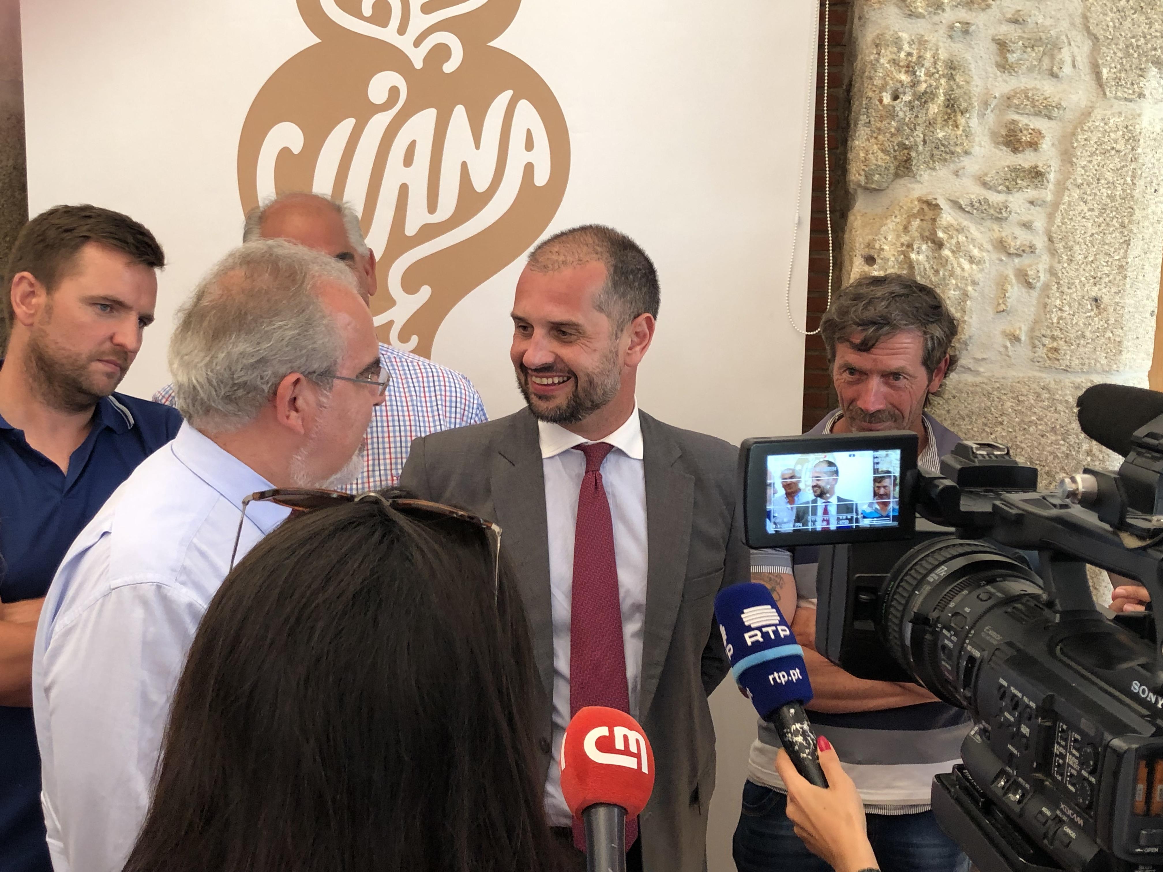 Compensação a pescadores por instalação de parque eólico flutuante volta a ser negociada em Viana