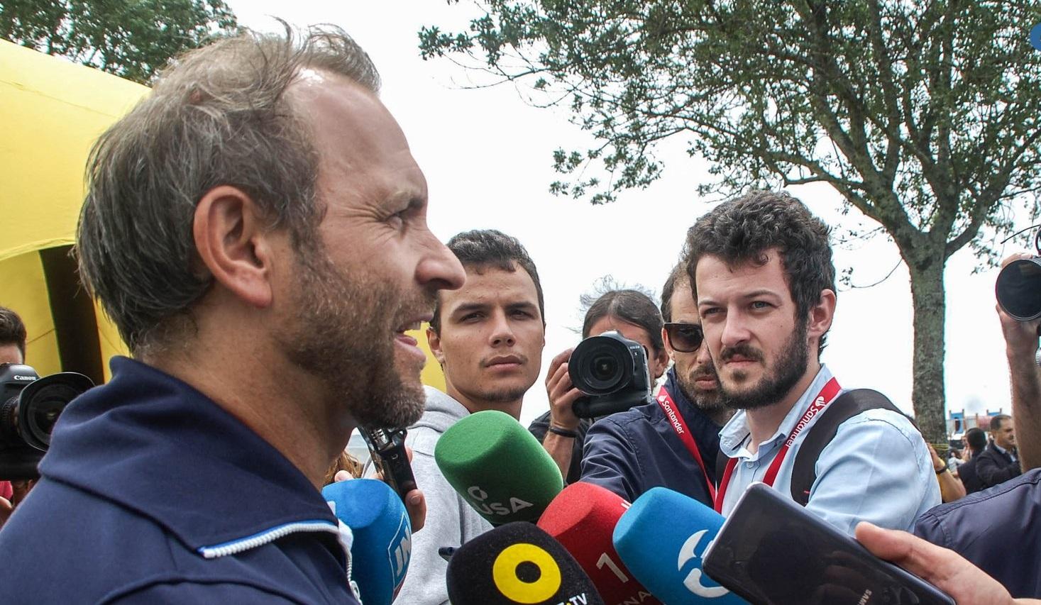 Rui Sousa avisa que comunicará à GNR casos de emigrantes que não cumprirem quarentena