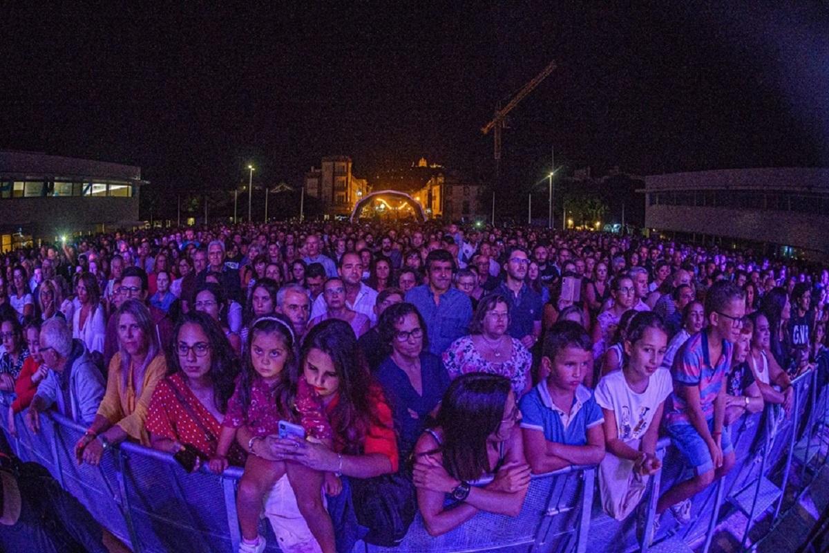 Cerca de 30 mil pessoas na primeira noite do Bate Forte