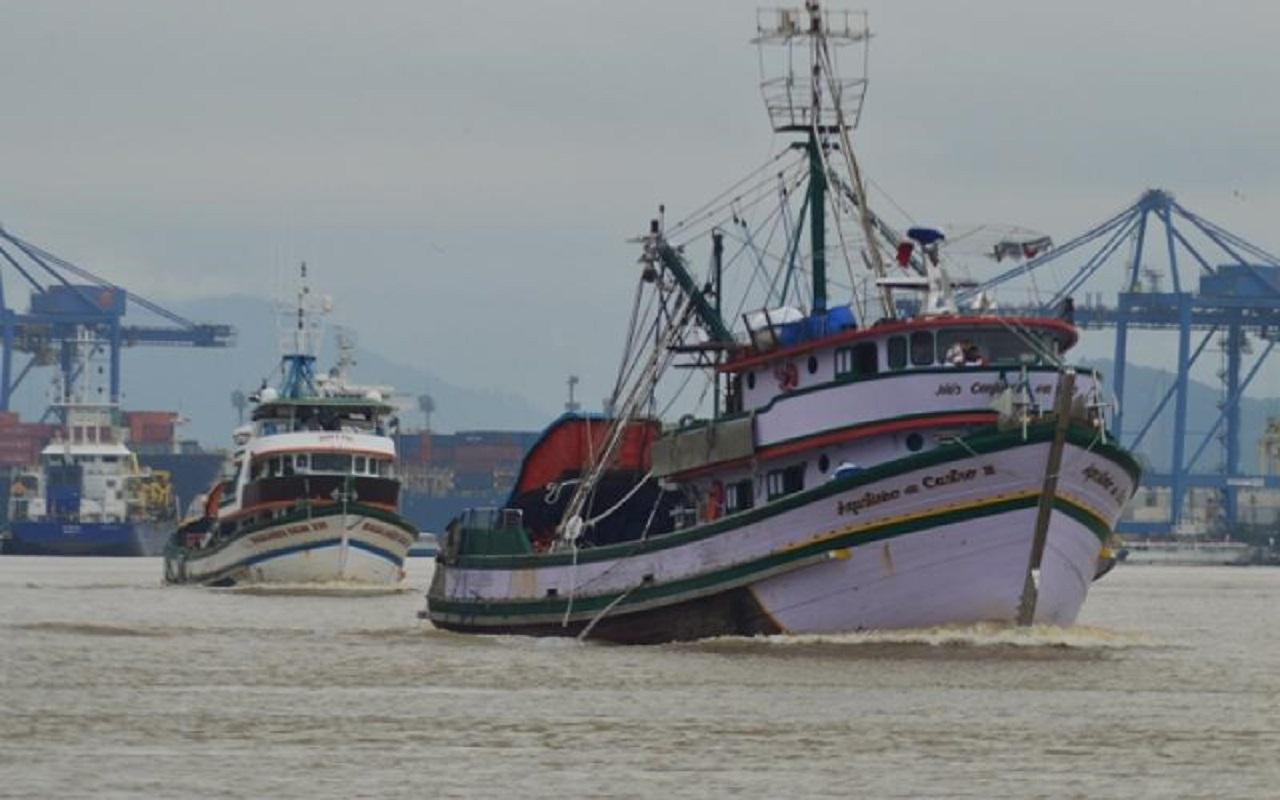 Armadores desistem de bloqueio a navio que instala cabo submarino em Viana