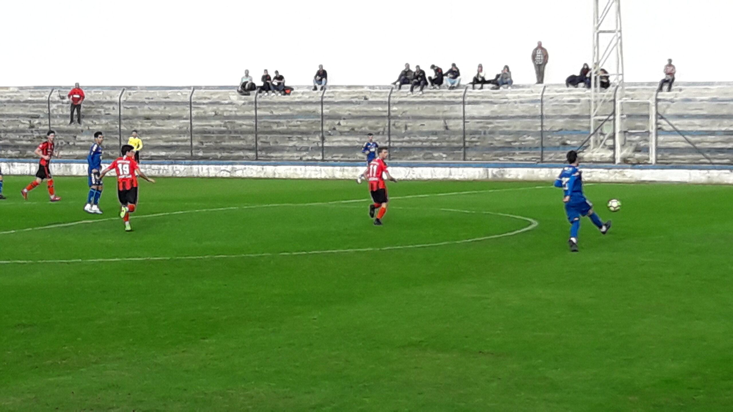 Futebol: SC Vianense goleia Correlhã e mantém liderança na 1ª divisão distrital