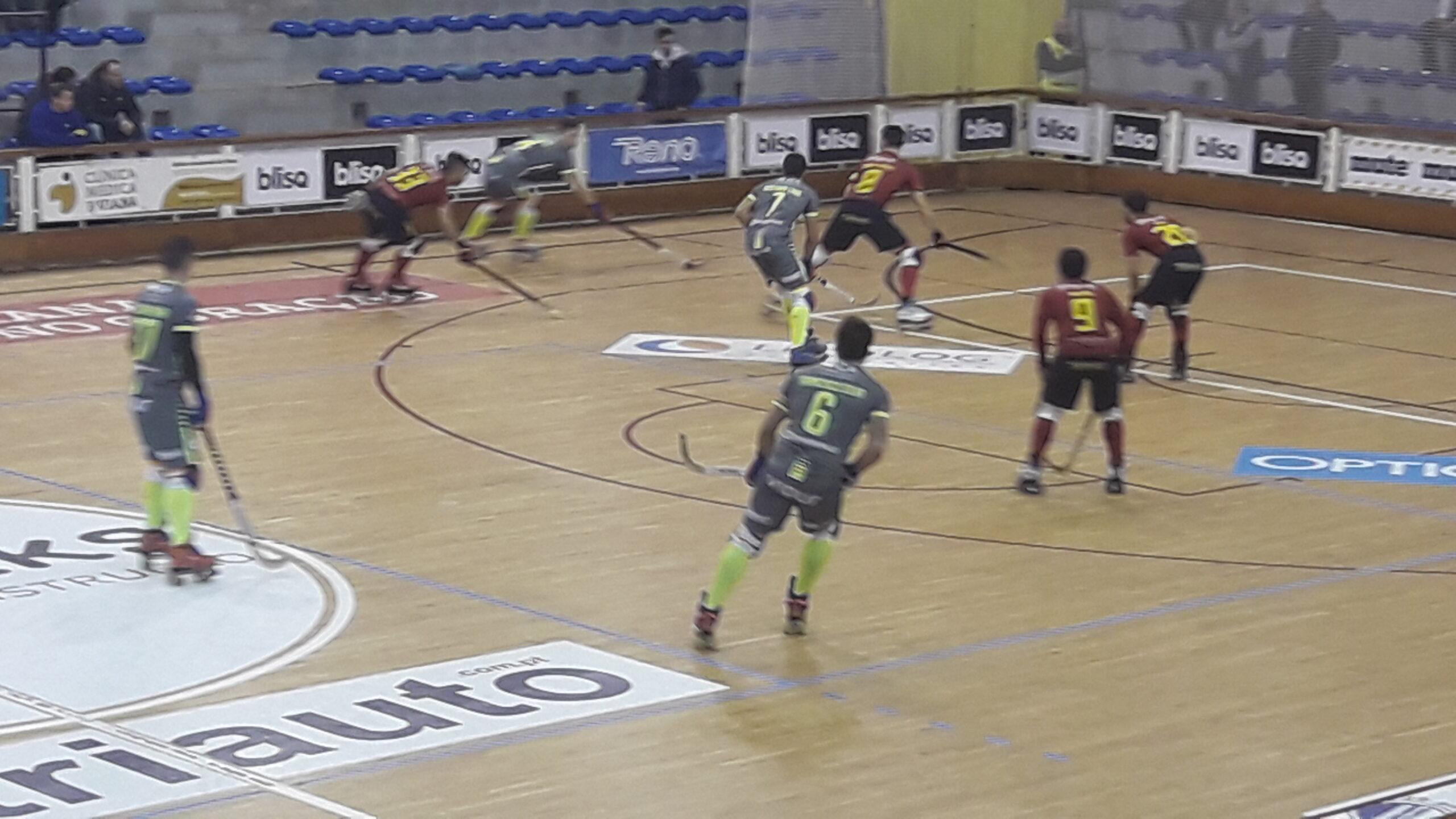 Juventude de Viana deixa fugir primeira vitória no campeonato de hóquei em patins a treze segundos do fim