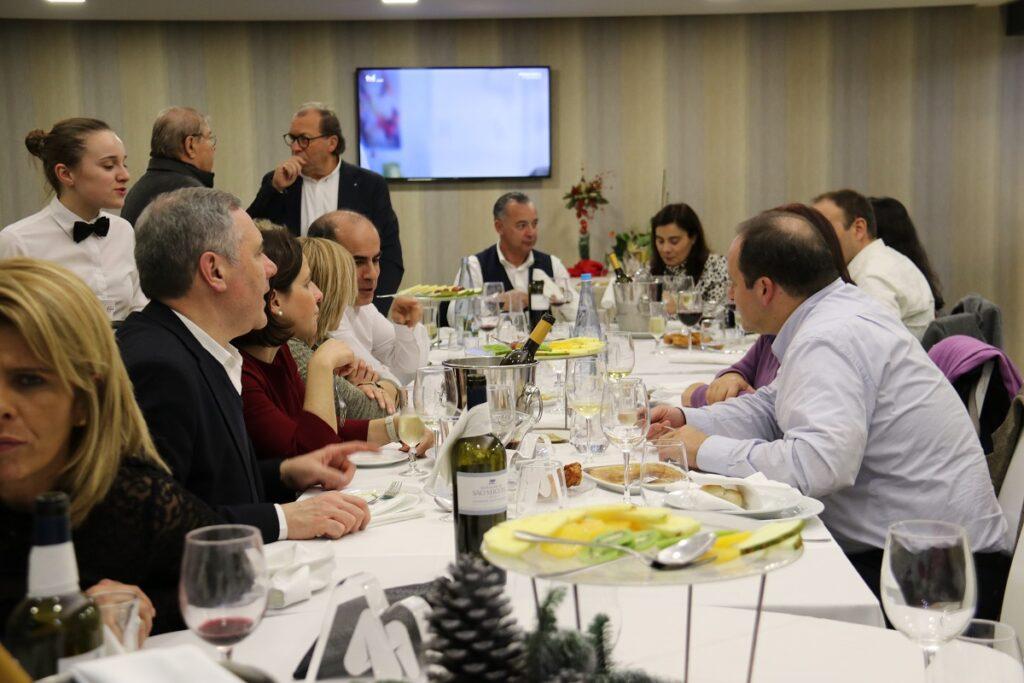 Rádio Alto Minho homenageia parceiros e colaboradores em jantar de comemoração dos 30 anos da instituição