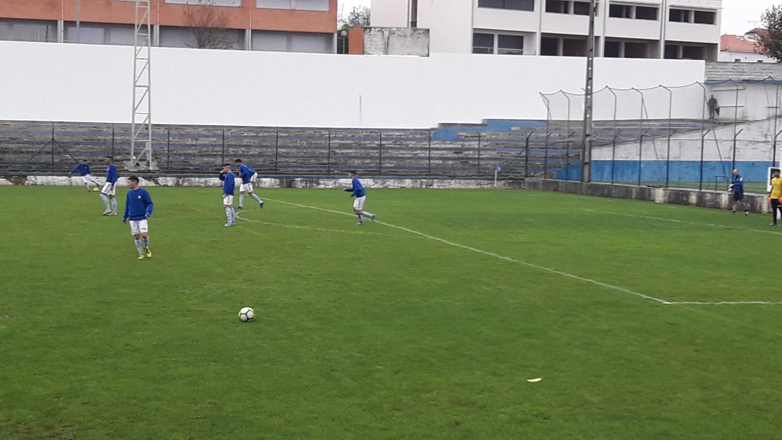 Futebol distrital: Vianense vence Neves e segue na perseguição ao líder Limianos
