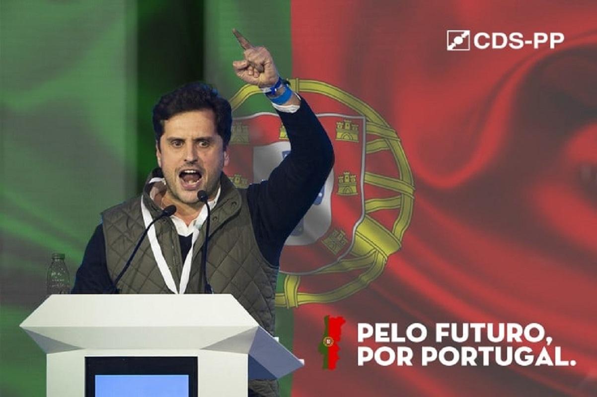 """Carlos Meira apresenta moção para """"reconstruir"""" o CDS  """"de baixo para cima, das bases para a cúpula"""""""
